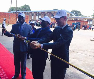 The Swedish Ambassador Henrik Cederin and PS Owen Mugemezulu of the Ministry of Higher Education cutting the ribbon at the official inauguration of the first Diploma programme in Heavy Equipment Engineering in Zambia at NORTEC in Ndola.
